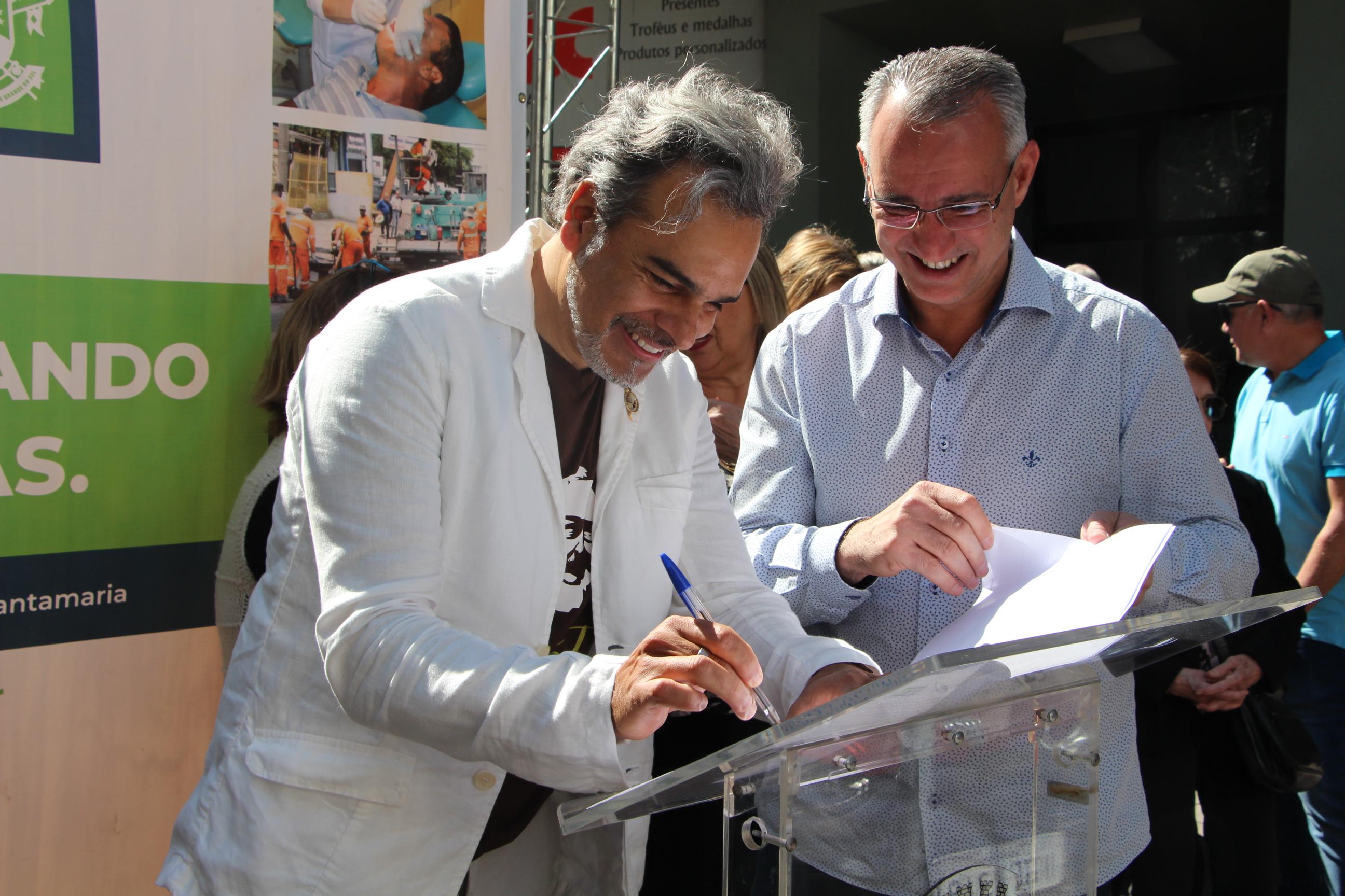 Construtora Jobim assina termo de adoção de canteiros e floreiras da cidade de Santa Maria