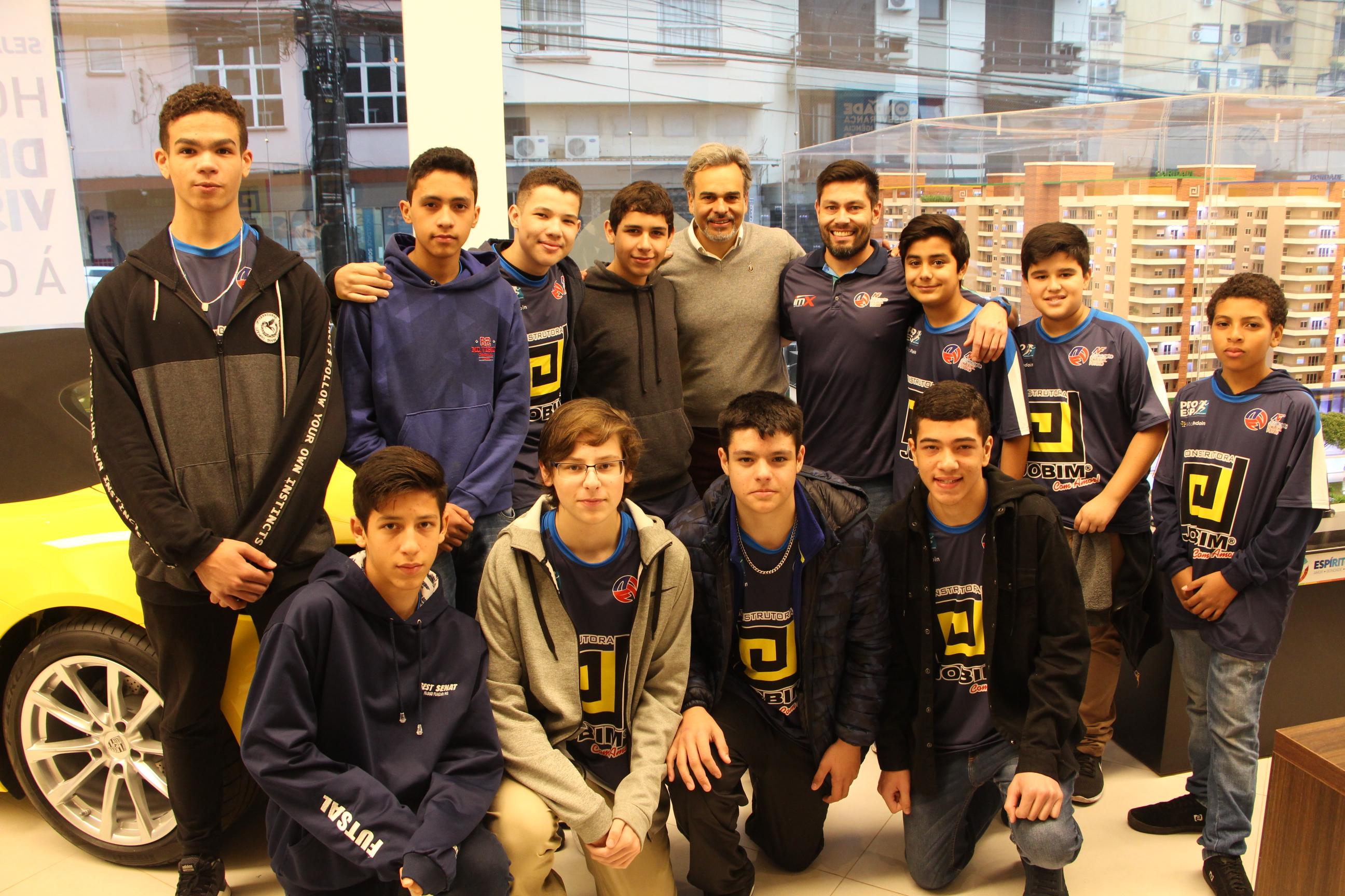 Café da manhã com visita à obra da Torre Bondade do Empreendimento Espírito Santo com a participação das equipes de vôlei.