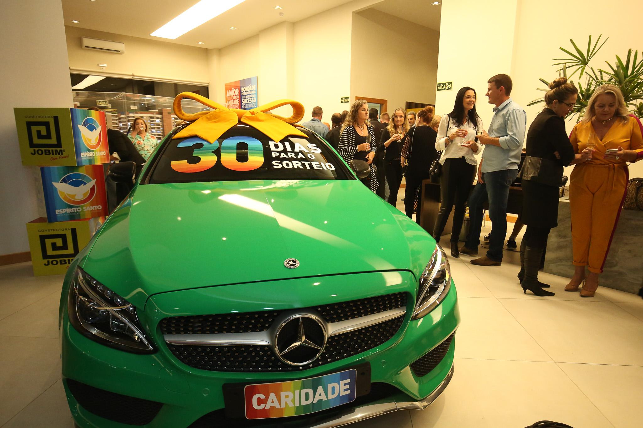 Evento de contagem regressiva para o sorteio da Mercedes C250 Coupé